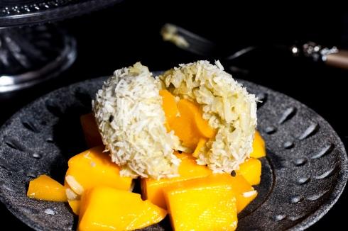 sticky-jasmin-coconut-mango-rice-3