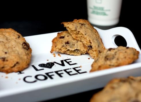 mrs-fields-chocolate-chip-cookie-5